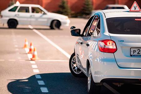 Учебный автомобиль: на какой машине учиться вождению